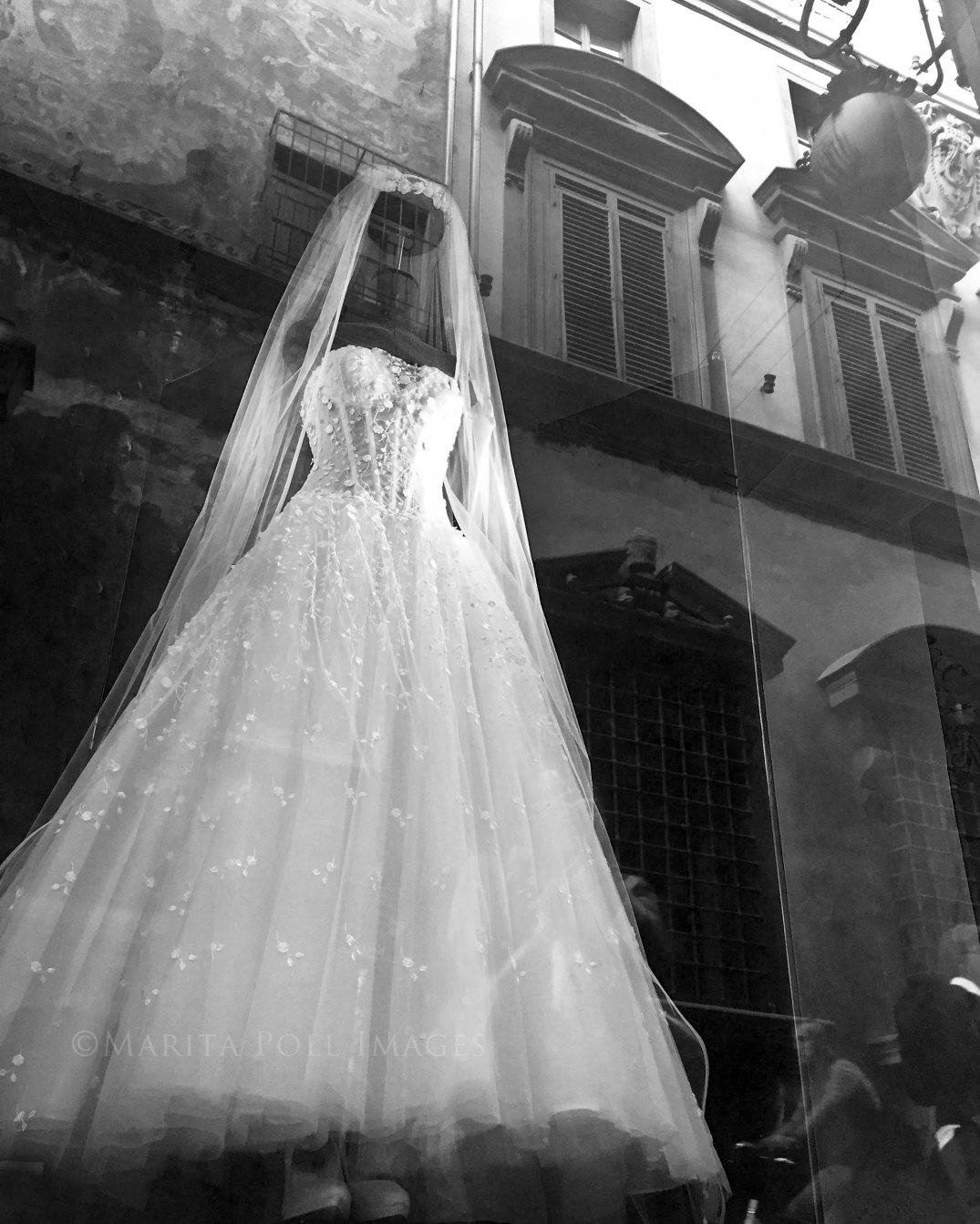 marita-poll-images-florence-italy-wedding-dress